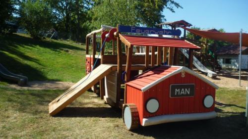 Spielgerät Feuerwehrauto
